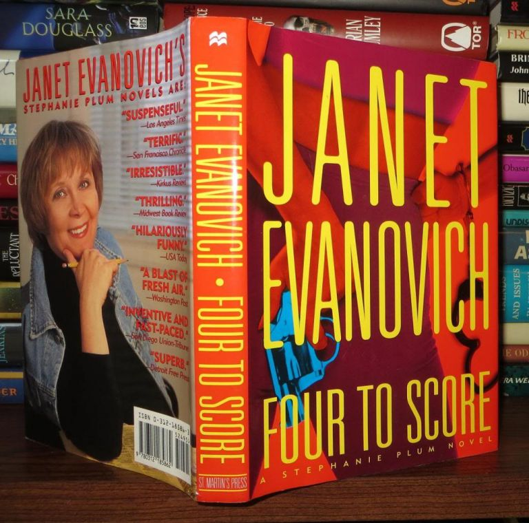 FOUR TO SCORE Stephanie Plum, No. 4. Janet Evanovich.