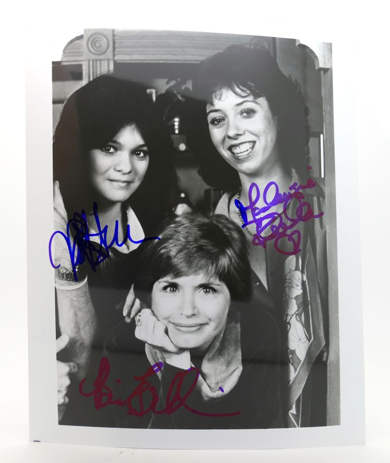 """ONE DAY AT A TIME"" VALERIE BERTINELLI, MACKENZIE PHILLIPS, BONNIE FRANKLIN SIGNED PHOTOGRAPH Autographed. Mackenzie Phillips Valerie Bertinelli, Bonnie Franklin."