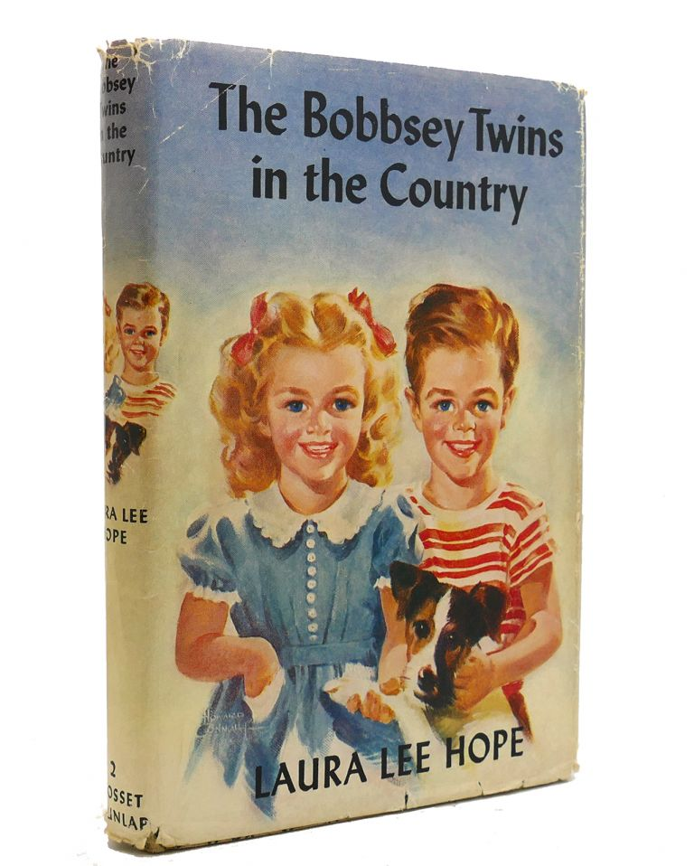 THE BOBBSEY TWINS IN THE COUNTRY. Laura Lee Hope.